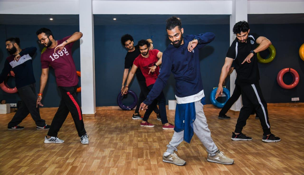 fitness and zumba classes in vasant kunj